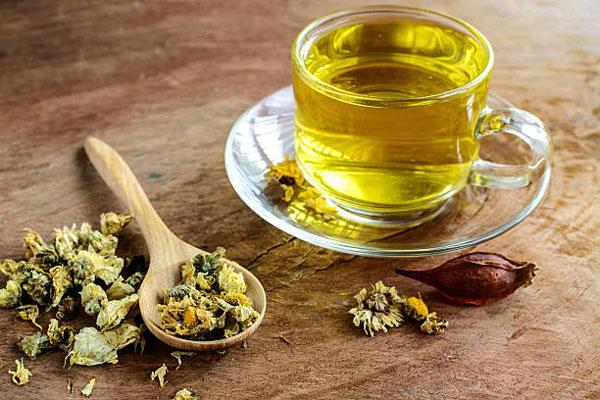 Uống trà hoa cúc có tác dụng gì? Uống trà hoa cúc đúng cách như thế nào?